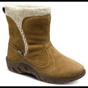 Merrell leather boots kids size 13, waterproof
